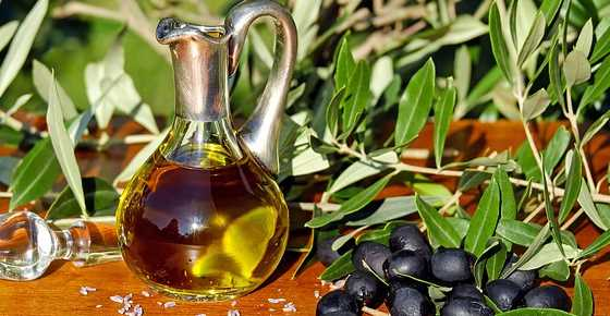 Scientifically Proven Health Benefits of Olive Oil (Extra Virgin, Pure, Unrefined)