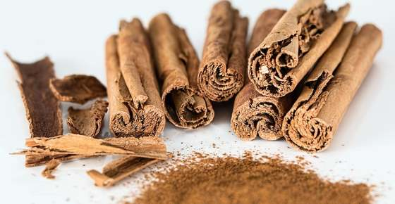 Science Based Benefits of Cinnamon (Tea, Powder) + Side Effects