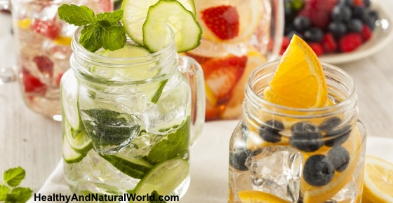 How to Easily Make Your Own Flavored Water for Detox and Weight Loss