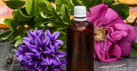 Essential Oils For Migraines and Headaches