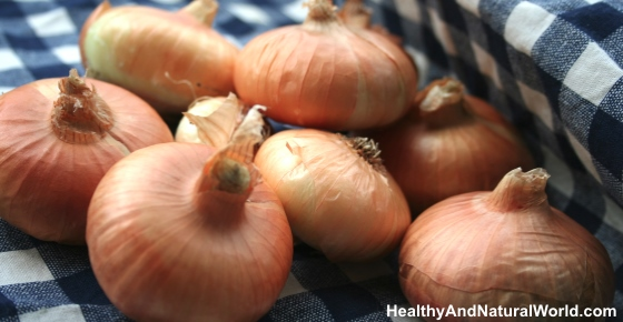 How To Make Onion Juice For Hair Growth & Strong Hair