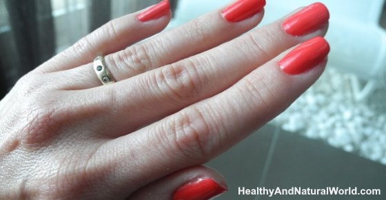 The Best Natural Ways to Treat Ingrown Fingernails