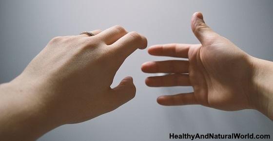 Hand Fungus (Tinea Manuum): Causes, Symptoms & Natural Treatments