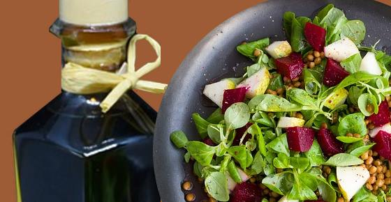 Red Wine Vinegar: Benefits & Red Wine Vinaigrette Recipe