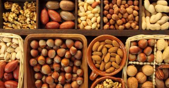 Types of Nuts: Different Nut Varieties, Health Benefits and Their Pictures
